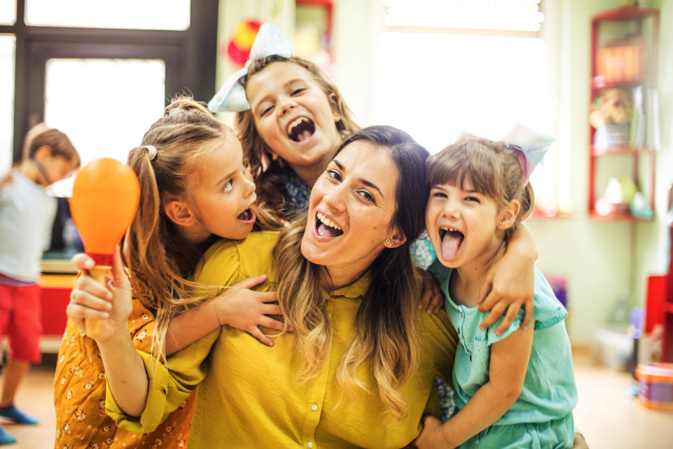 Praca z dziećmi – w jakich zawodach? Gdzie szukać ofert?